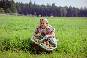 Verena mit Kartoffel